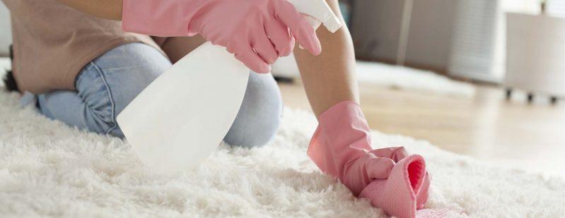 Cómo utilizar bicarbonato de sodio como limpiador de alfombras