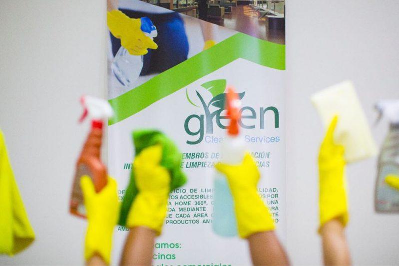 Limpieza profunda residencial con productos biodegradables