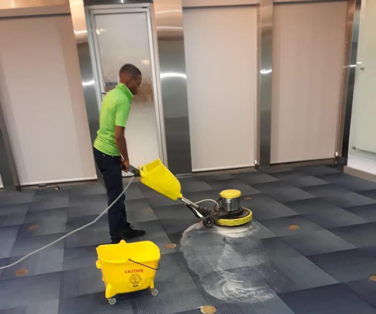 Limpieza de alfombras comerciales en Panamá