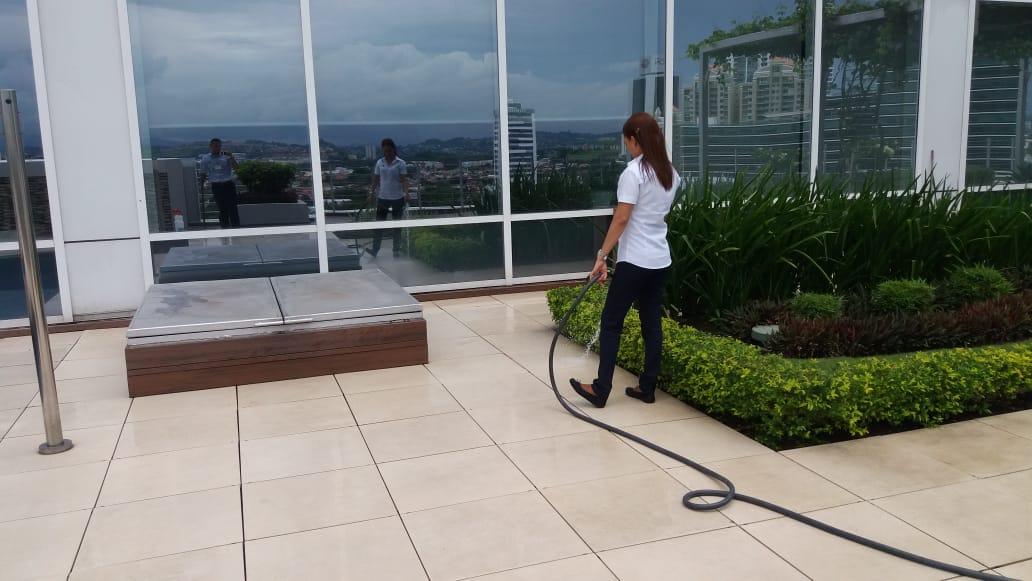 Servicios de limpieza de edificios en Panamá