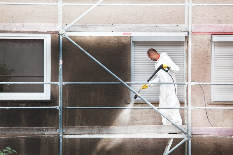 Pressure Cleaning facades in Panama