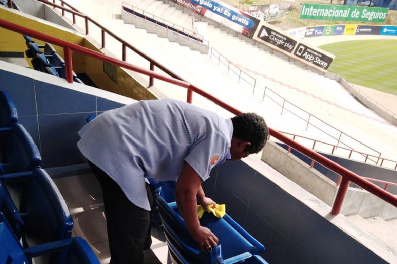 limpieza de instalaciones deportivas en Panama