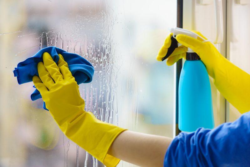 Limpieza de Ventanas a Domicilio en Panamá | Domestic window cleaning service in Panama